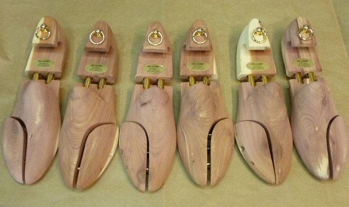 Forme tendiscarpe in legno di cedro aromatico americano for Cabine laterali in legno di cedro